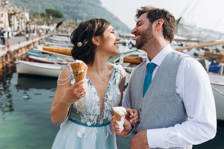 para młoda w porcie jak wypisać zaproszenia ślubne
