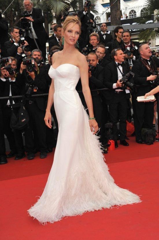 Suknie z czerwonego dywanu Cannes - Uma Thurman