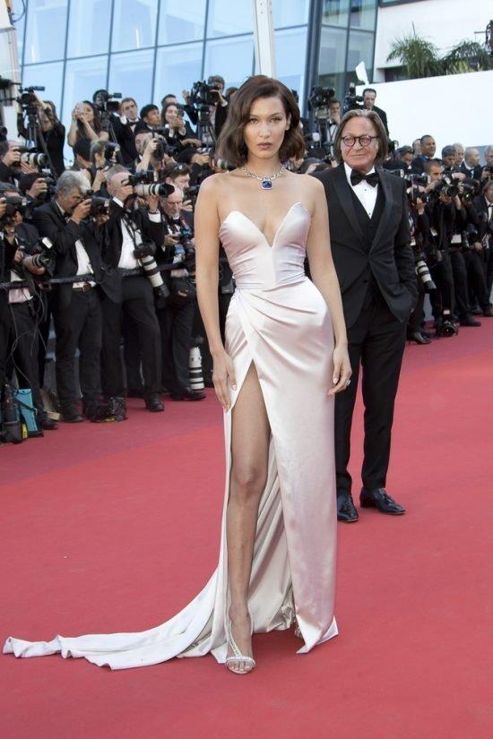 Suknie z czerwonego dywanu Cannes - Bella hadid