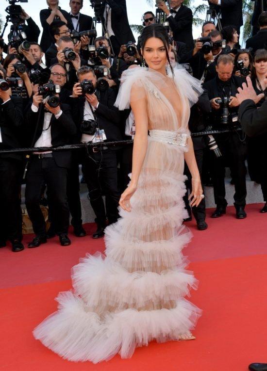 Suknie z czerwonego dywanu Cannes - Kendall Jenner