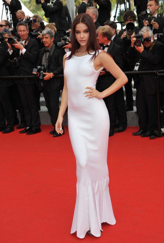 Suknie z czerwonego dywanu Cannes - Barbara Palvin