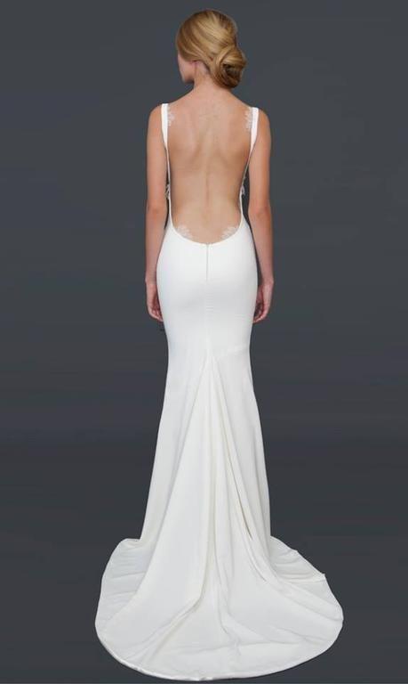 Suknie ślubne z dekoltem na plecach - zdjęcie 5