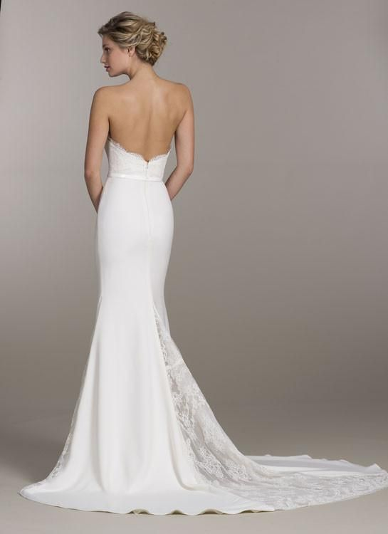 Suknie ślubne z dekoltem na plecach - zdjęcie 6