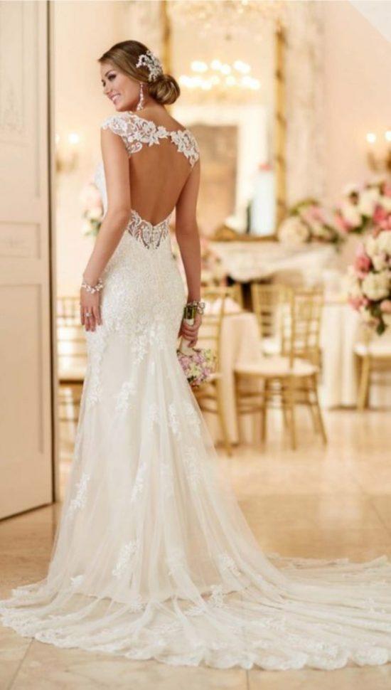 Suknie ślubne z dekoltem na plecach - zdjęcie 9