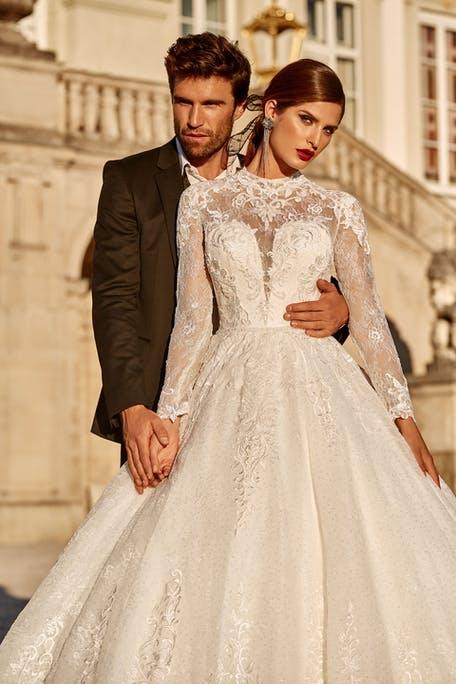 Suknia ślubna księżniczka z długim rękawem