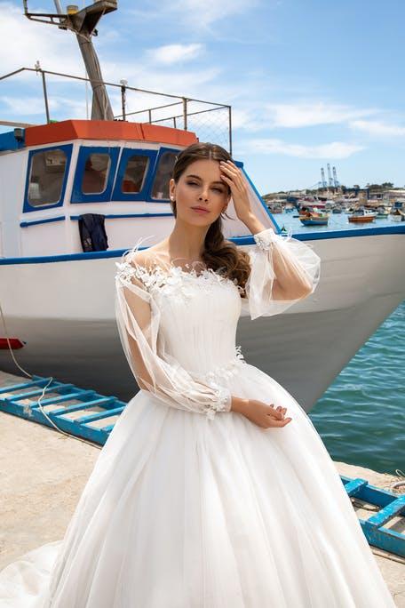 Suknia ślubna princessa z długim rękawem