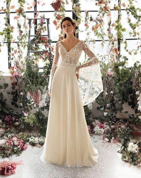 suknia ślubna z dekoltem V z długim rękawem