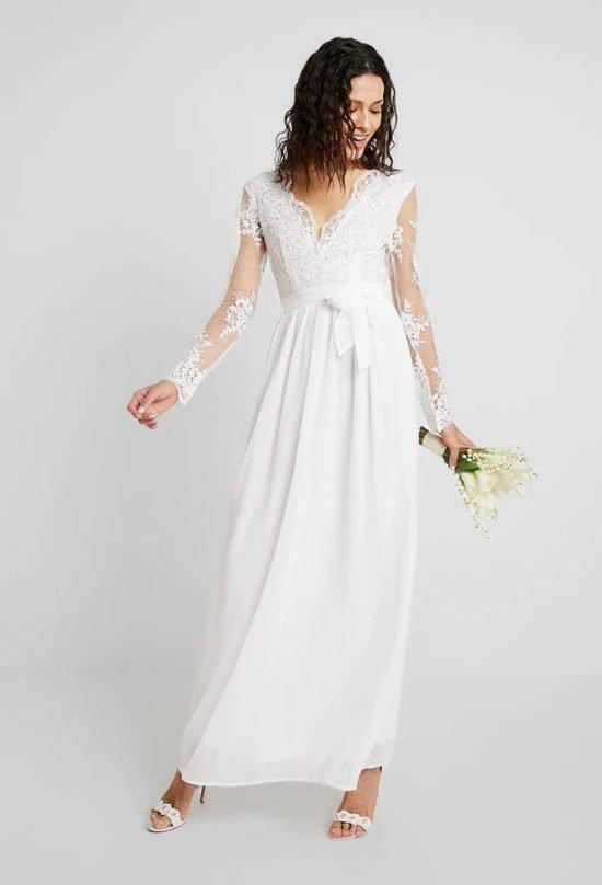 896798dd1a Suknie ślubne do 1000 zł  modne i niedrogie modele dla Panny Młodej