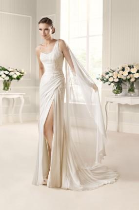 a39980dd54 Zobacz więcej sukni ślubnych na jedno ramię w naszym katalogu!