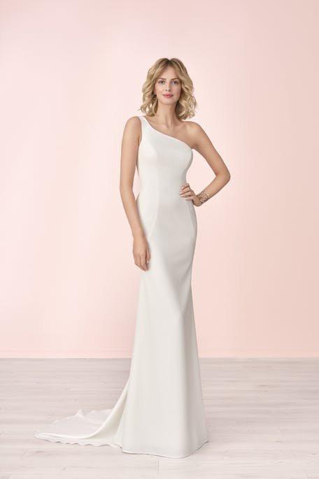 Suknie ślubne trendy 2020 na jedno ramię