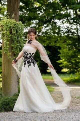 Suknie ślubne z czarnymi zdobieniami 2020