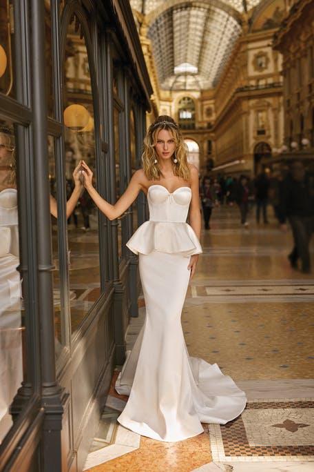 Suknie ślubne z baskinką 2020