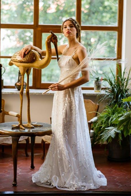 Połyskujące suknie ślubne trendy 2020