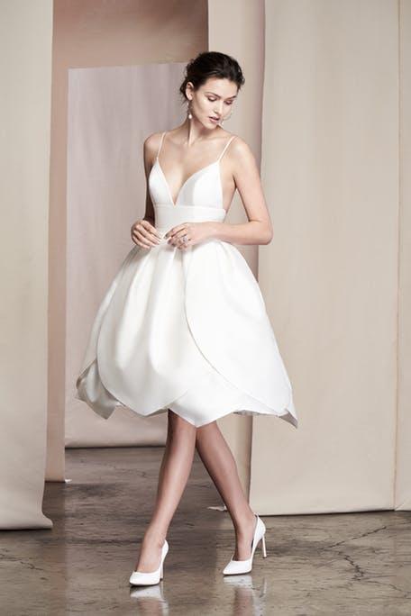 Krótkie suknie ślubne 2020