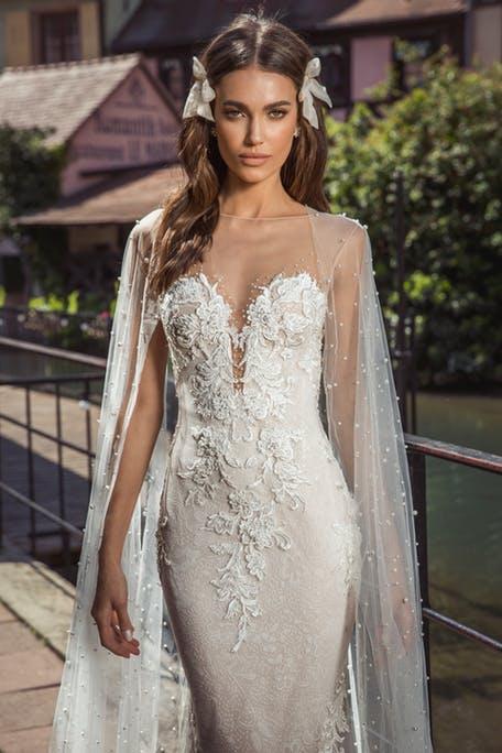 Suknie ślubne z doczepianą peleryną 2020