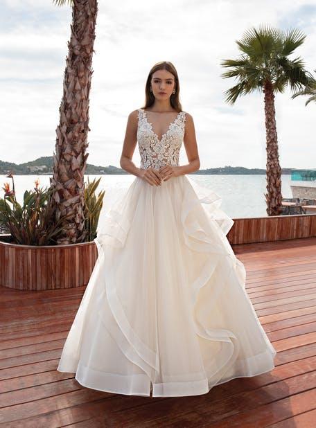 Suknie ślubne z falbanami 2020