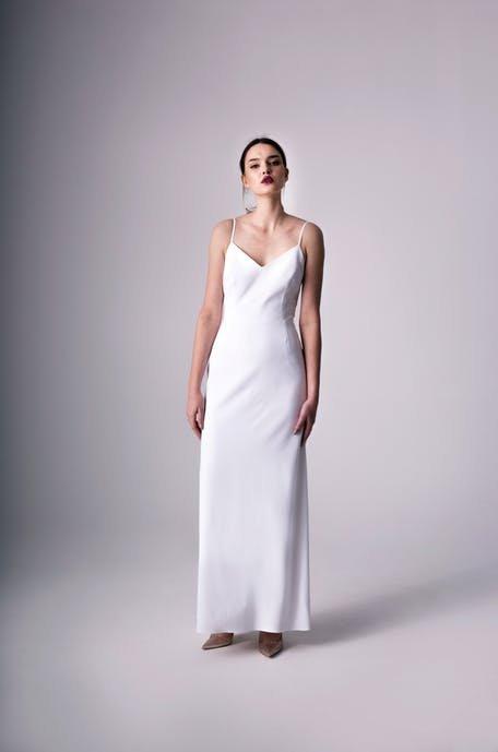 Bieliźniane suknie ślubne 2020