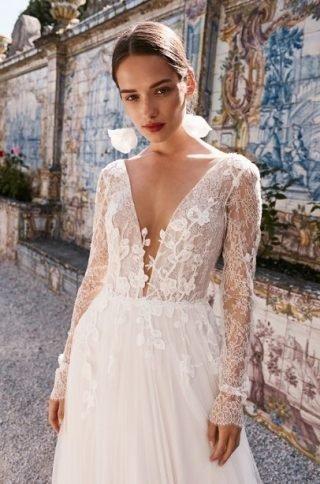Suknie ślubne z dekoltem V 2020