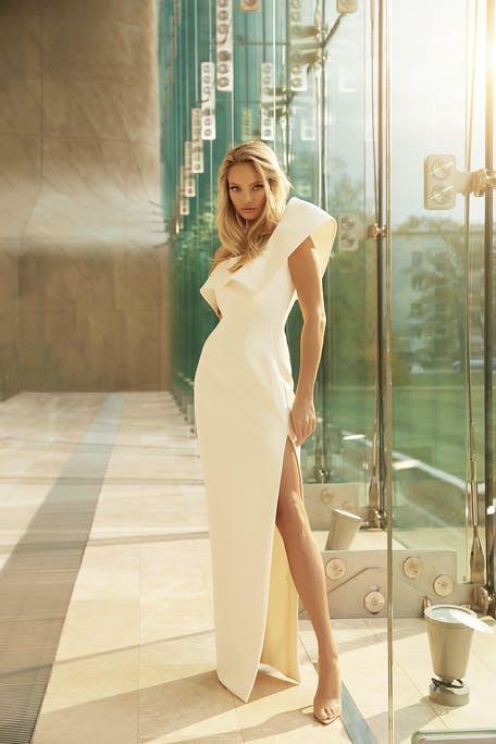 asymetryczne suknie ślubne 2021