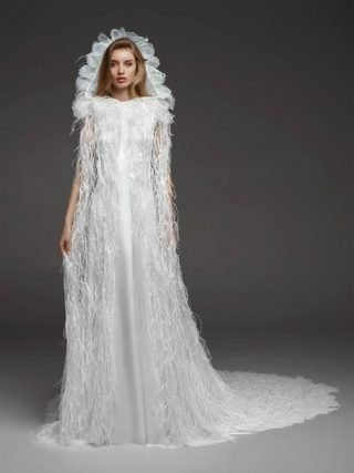Suknie ślubne z peleryną z kapturem 2020