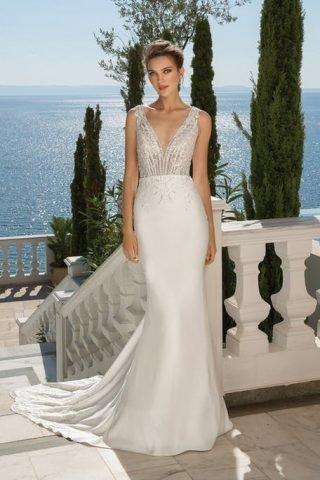 Suknie ślubne trendy 2020 dekolt w kształcie litery V