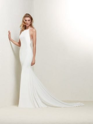 Suknie ślubne zakładane na szyję 2020