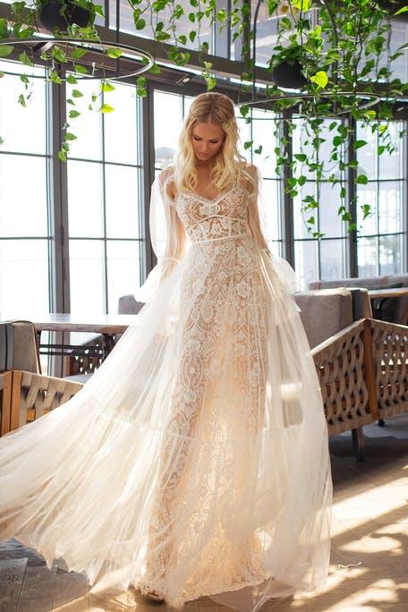 suknia ślubna w stylu boho 2021