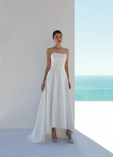 suknia ślubna krótsza z przodu 2021