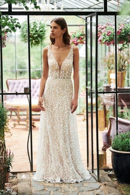 suknie ślubne 2021 z dekoltem litera V