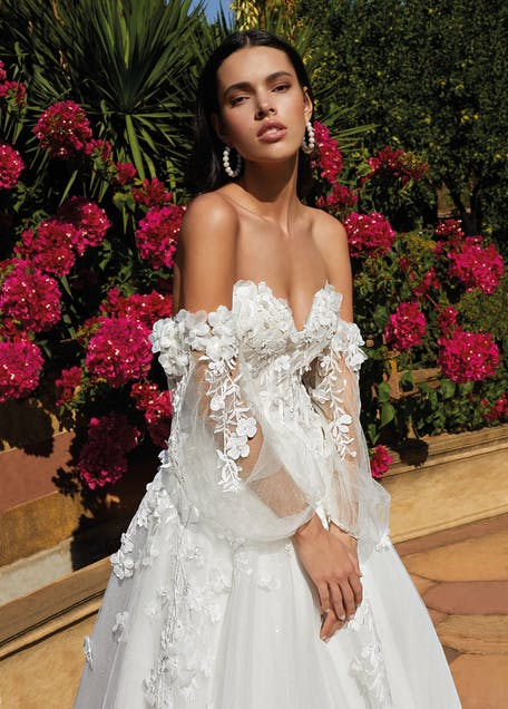 suknie ślubne z kwiatami 3d 2021