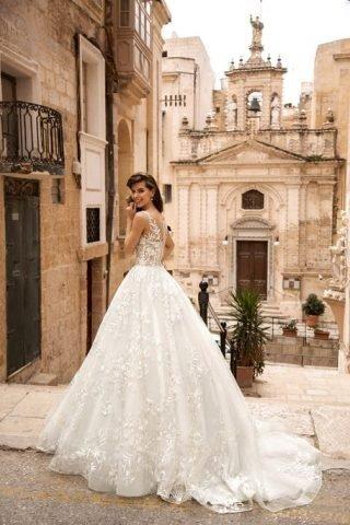 Suknie ślubne w stylu princesski - trendy 2020