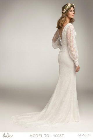 Suknia ślubna w stylu boho z wycięciem na plecach