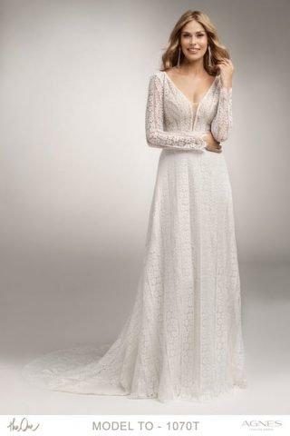 Suknia ślubna z kwiatową koronką