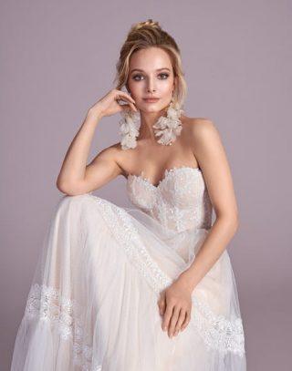 Suknia ślubna w stylu boho glamour