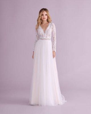 Suknia ślubna w stylu boho z trenem