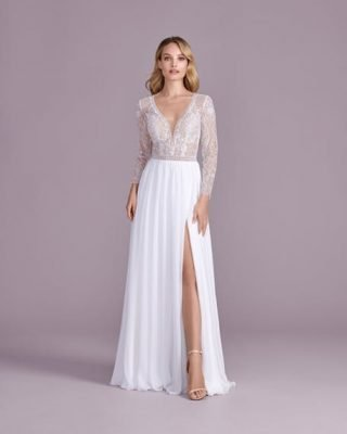 Suknia ślubna w stylu boho z dekoltem V