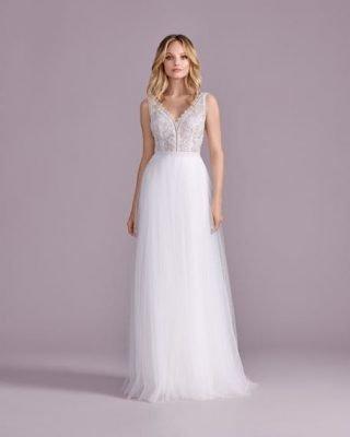 Suknia ślubna w stylu boho z podkreśloną talią