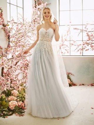 Suknia ślubna w stylu boho w kolorze