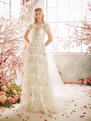 Suknia ślubna boho w kwiaty