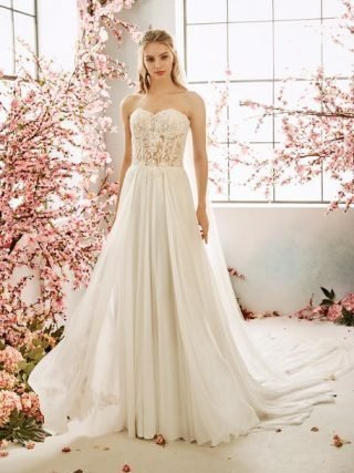 Suknia ślubna w stylu boho bez ramiączek