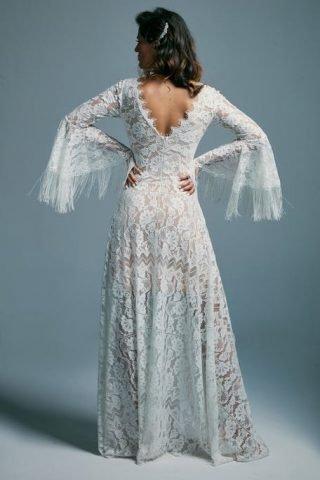 Suknia ślubna z frędzlami