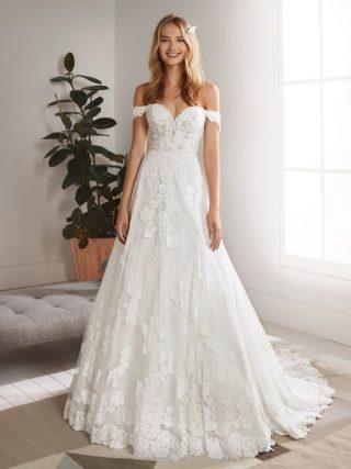 Suknia ślubna w kwiaty