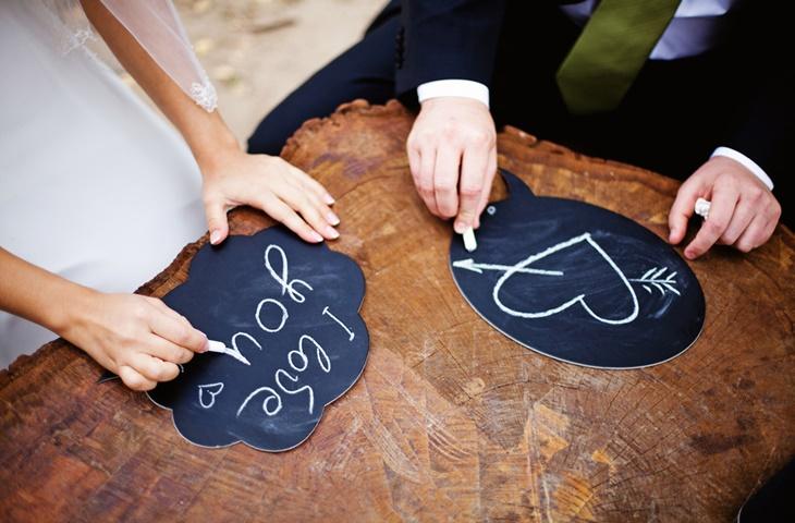 Tablice kredowe w roli dekoracji weselnych - zdjęcie 7