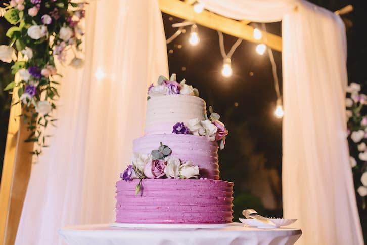 torty weselne fioletowe