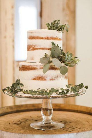 Tort weselny w stylu naked cake - zdjęcie 21