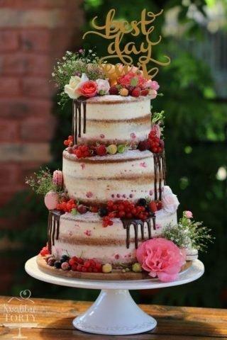 Tort weselny w stylu naked cake - zdjęcie 20