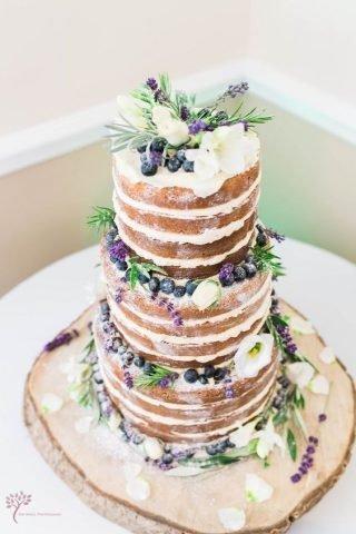 Tort weselny w stylu naked cake - zdjęcie 19
