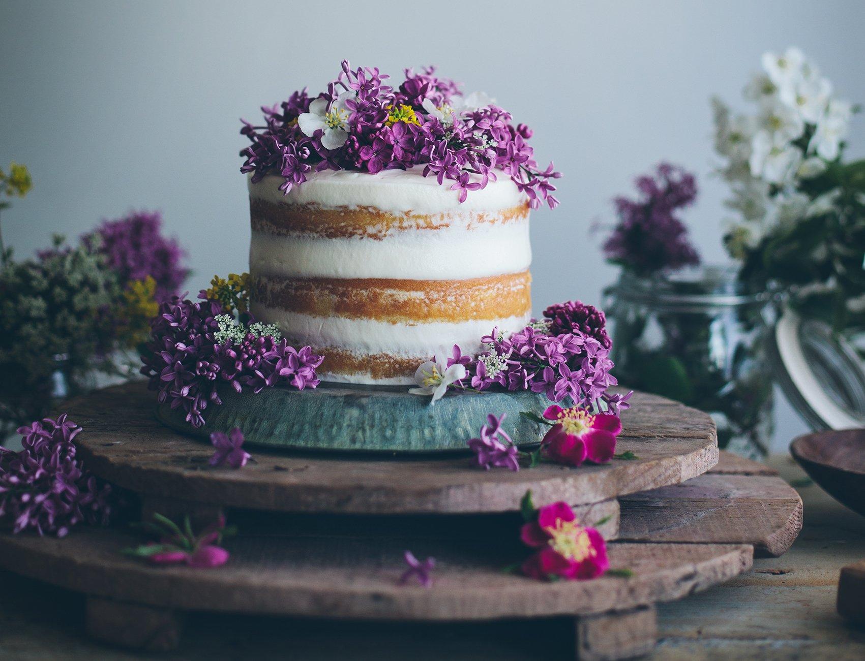 Tort weselny w stylu naked cake - zdjęcie 22