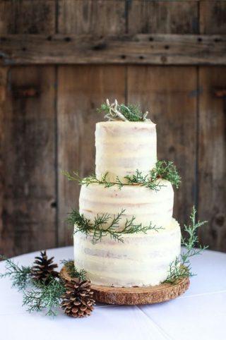 Tort weselny w stylu naked cake - zdjęcie 18