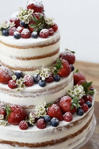 Tort weselny w stylu naked cake - zdjęcie 16